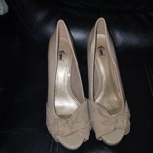 Fioni Peekaboo Toe Heels